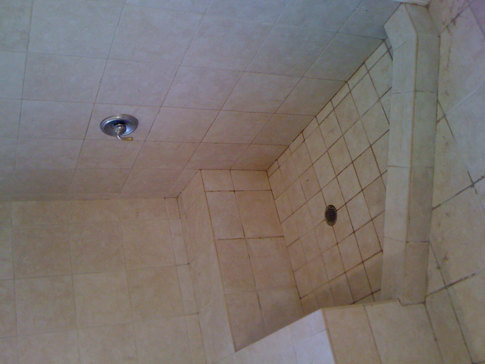 how to keep grout clean